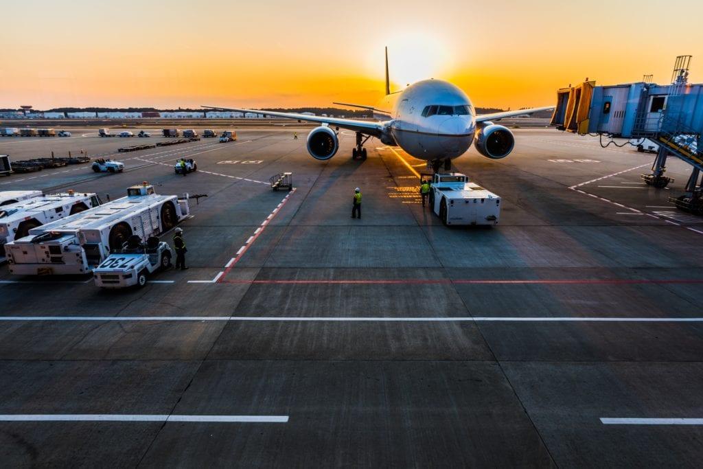 Platform Vliegtuig - werken op schiphol