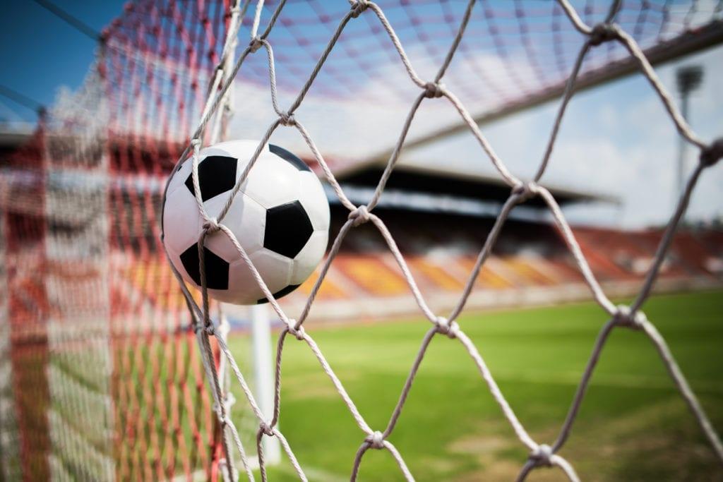 soccer into goal success concept - Scoren doe je samen met WerkCentrale Nederland